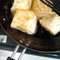 ココナッツオイルのエスニック揚げ出し豆腐